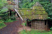 Drobné zahradní stavby umožňují zejména dětem rozvinout svou fantazii a vyhrát si zde po libosti.
