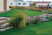 Problémem většiny českých zahrad je jejich malá velikost. Pozemek tak bývá pod drobnohledem kolemjdoucích.