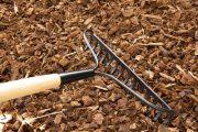 Asi nejznámnějším mulčem je borka z jehličnatých dřevin.