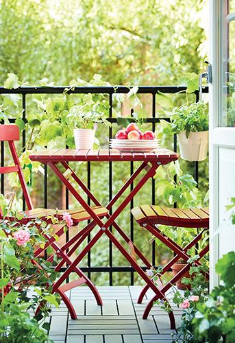 Balkonový nábytek je nejlepší skládací.