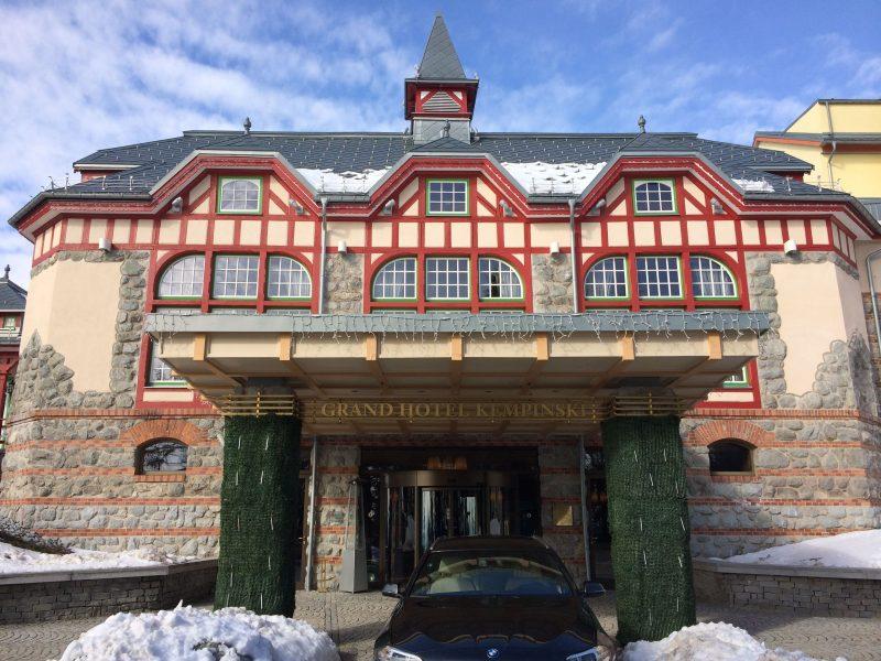Grand hotel Kempinski na Štrbskom plese vo Vysokých Tatrách 1.