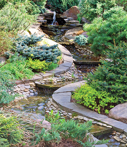 Tekoucí voda vytvoří v zahradě během parných dnů příjemné mikroklima.