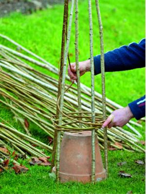 Drobné zahradní doplňky vytvoříte i bez speciálního školení či vybavení.
