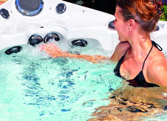 Nejdůležitější součástí whirlpoolů jsou trysky, které příjemně masírují vaše tělo.