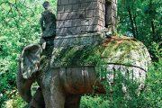 Hannibalův slon zabíjející římského legionáře