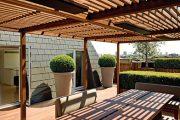 Zastřešená pergola výrazně zvětší obytný prostor domu či bytu.