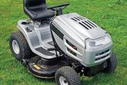 Minirider lze považovat za více než dostatečnou náhradu travní sekačky – pohybuje se rychleji, má větší sběrací koš a širší záběr.
