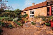 Kámen využijete na zahradě ke stavbě terasy, opěrných zdí i spárové skalky.