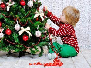 Při výběru stojánku zohledněte kromě ceny a provedení také velikost stromu.