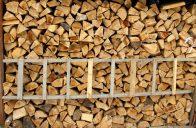 Základem pro správné uskladnění dřeva je dobře větrané a suché místo