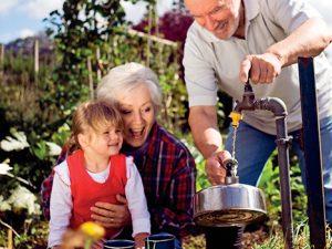 Zahrada pro dříve narozené by měla být hlavně praktická, pohodlná a bezpečná.
