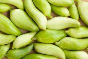 Zelené plody se perfektně hodí do salátů a lehkých zeleninových pokrmů.