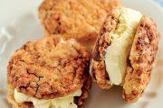 Dopřejte si chladné a chutné osvěžení a vyzkoušejte zmrzlinové sendviče.
