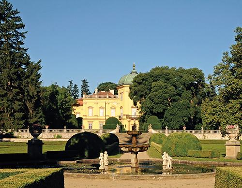 Buchlovický park patří mezi nejkrásnější a nejobdivovanější zahrady na Moravě.