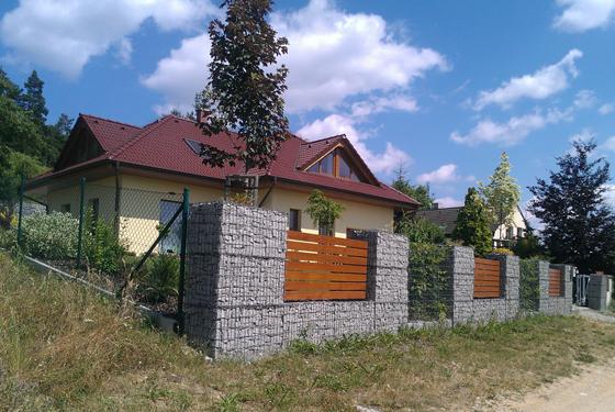 plot z gabionu_w.560 px
