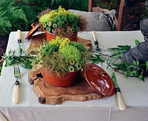 Alternativou k různým umělým ozdůbkám mohou být přitom živé květiny.