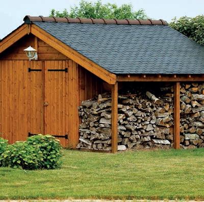 V minulosti se k zastřešení přístřešků, a to nejen na dřevo, používala hlavně asfaltová lepenka.