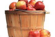 Skliďte zbytek jablek.