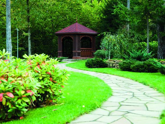 Altán určený k meditaci umístěte do klidné části zahrady